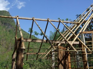 Interesting detail showing how to hang bamboo poles.